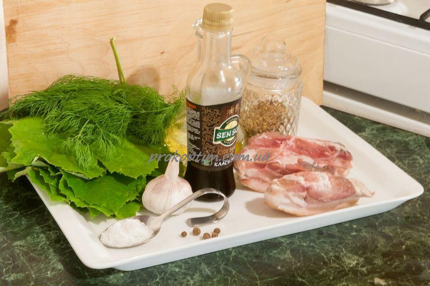 інгредієнти для приготування копченої свинної грудинки