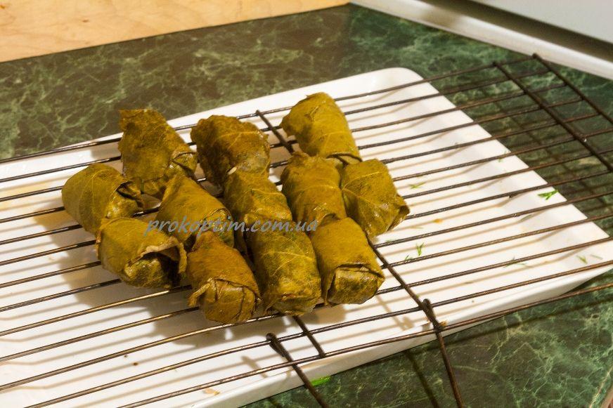 Копчена свинна грудинка в виноградному листі