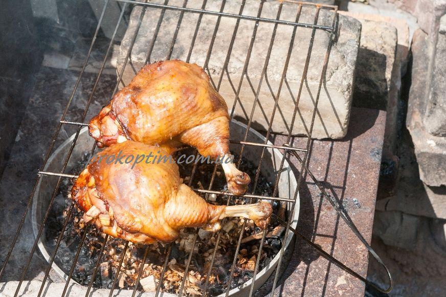 Копчені курячі стегенця